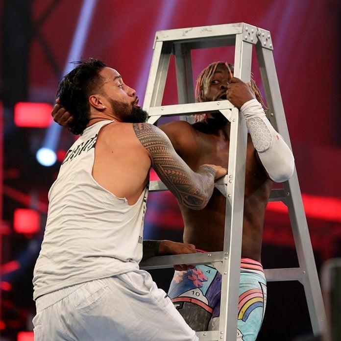Kofi-Kingston-WWE-Ladder-Match-2