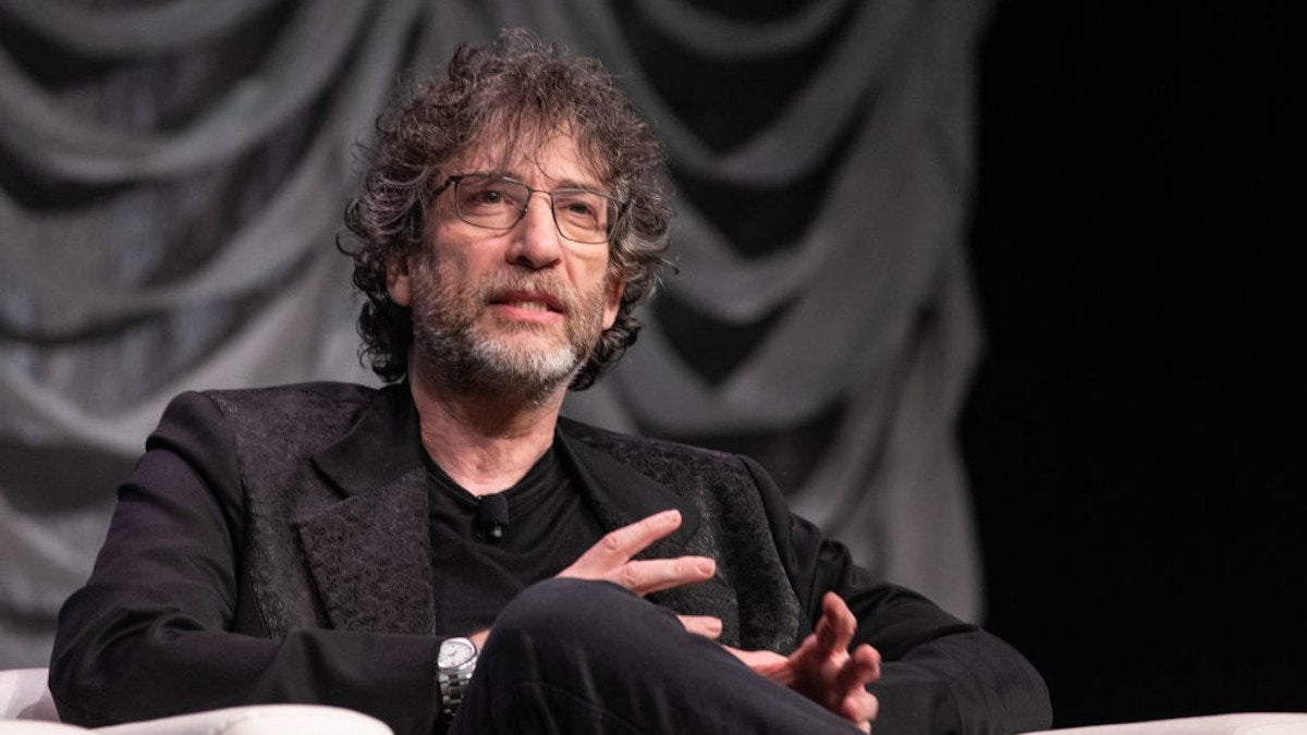 Neil Gaiman Apoloigizes Coronavirus Travel Restrictions