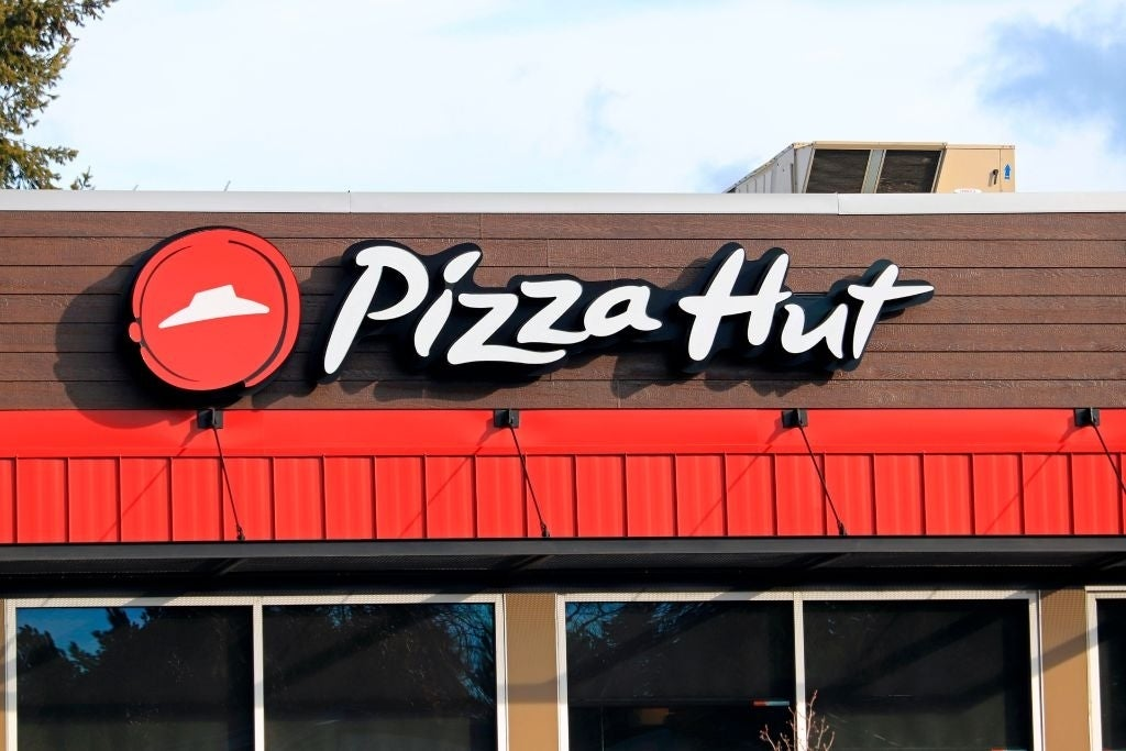 pizza hut sign