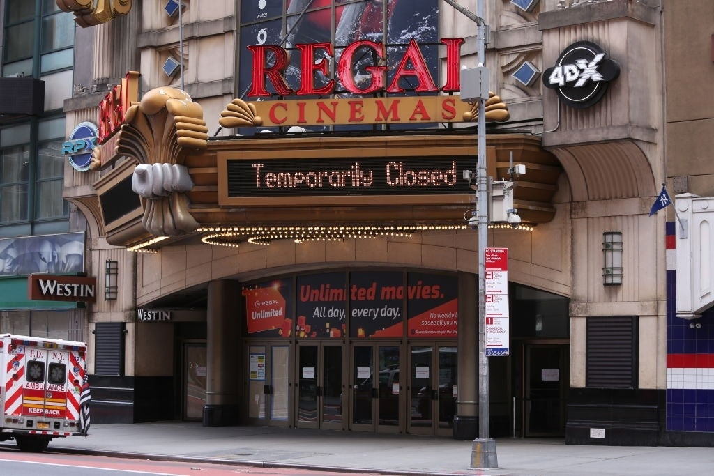 regal cinemas closed