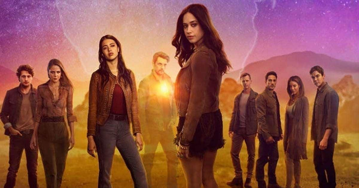 roswell new mexico american woman synopsis