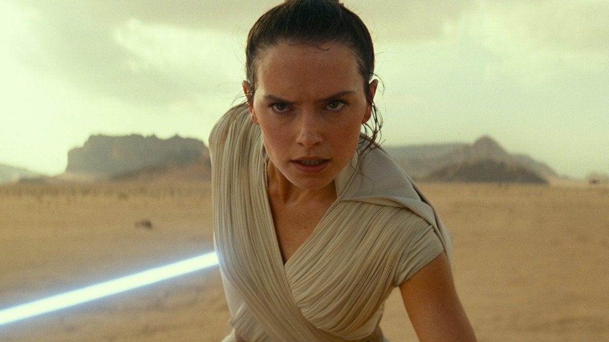 Star Wars The Rise of Skywalker Rey Lightsaber Cut Plot