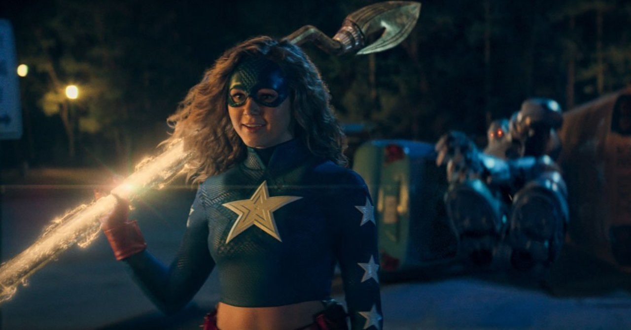 """Stargirl Producer Geoff Johns Is """"Completely Open"""" to Arrowverse Crossover"""
