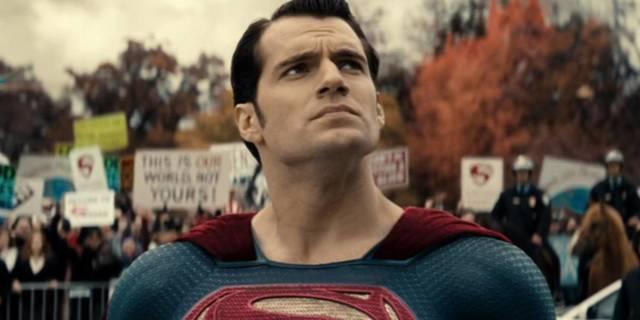 superman-henry-cavill