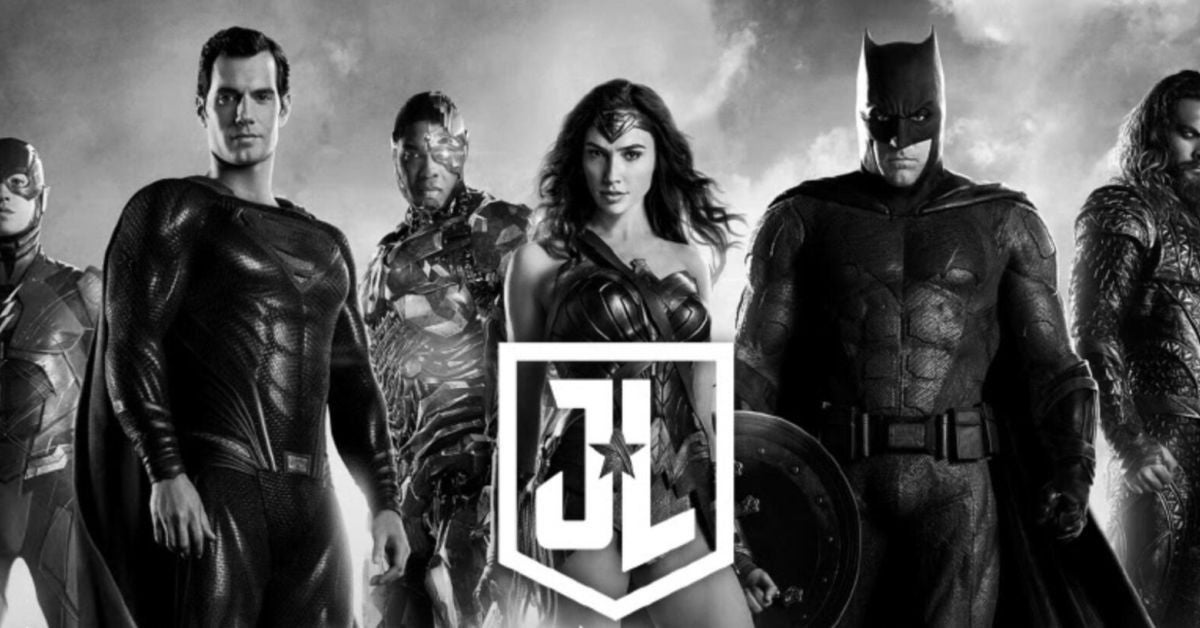 watch zack snyder announce the release of the snyder