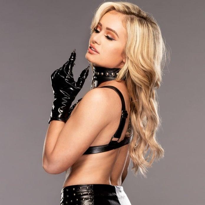 WWE-NXT-Scarlett-Bordeaux-Photoshoot-3