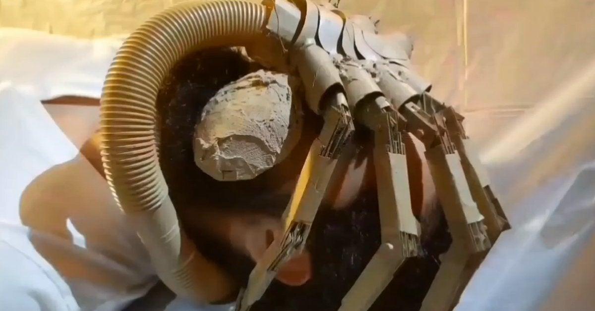 alien cardboard remake recreation
