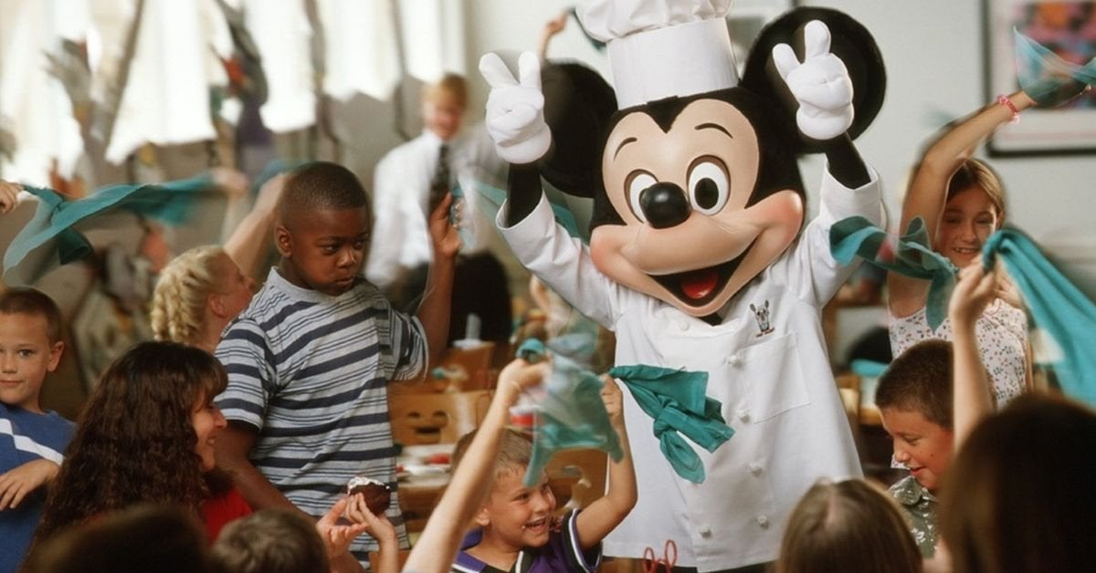 disney characters dining
