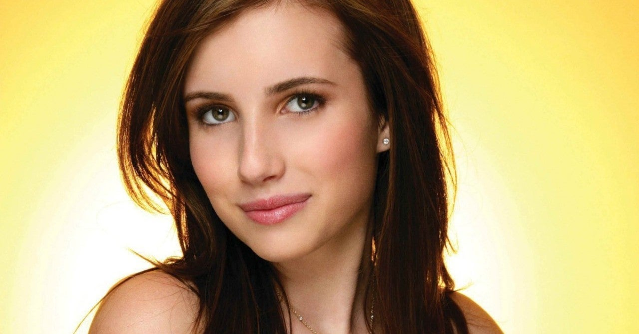 American Horror Story Star Emma Roberts ...