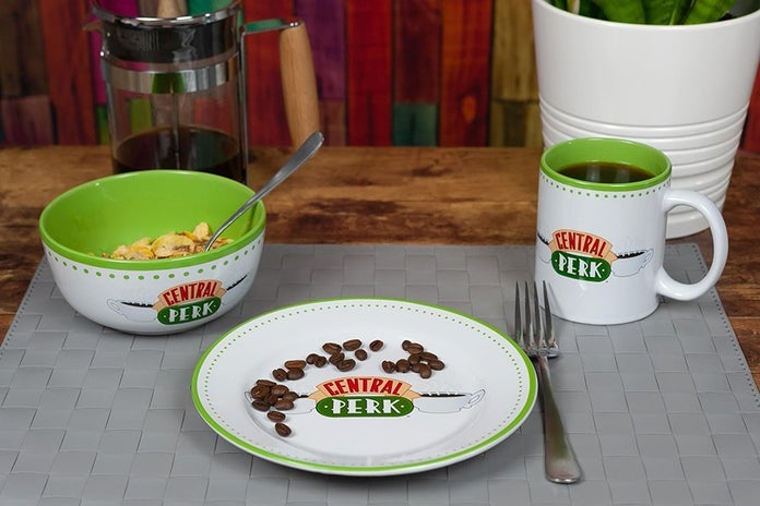 Friends-Central-Perk-Coffee-House-Dining-Set-3