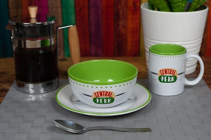 Friends-Central-Perk-Coffee-House-Dining-Set-4