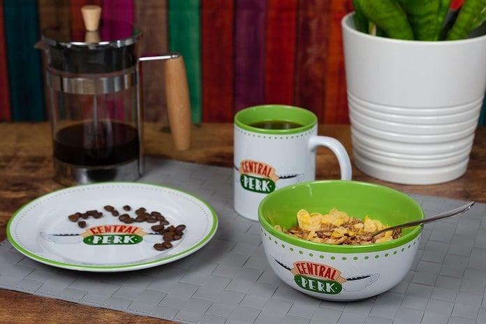 Friends-Central-Perk-Coffee-House-Dining-Set-6