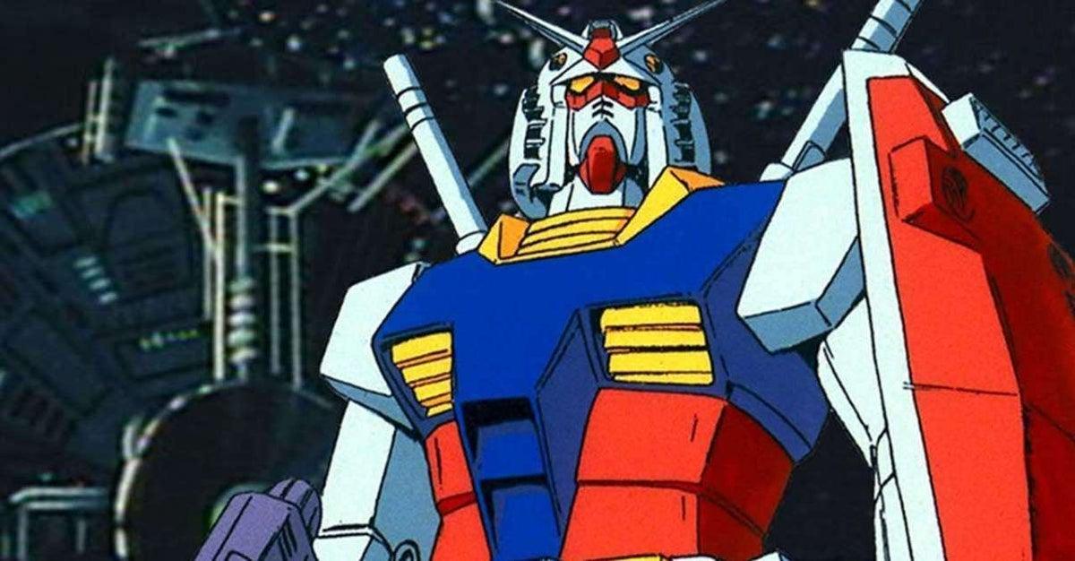 Mobile Suit Gundam Statue