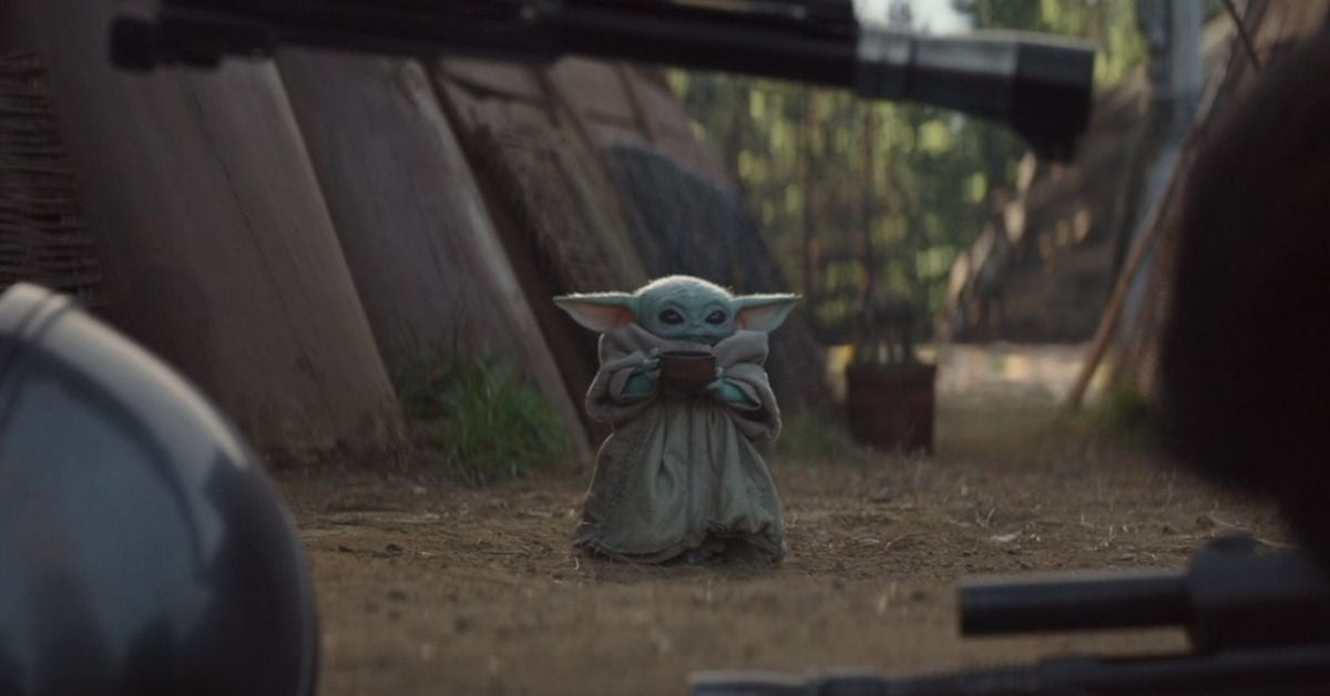 star-wars-the-mandalorian-director-reveals-how-baby-yoda-sipping-tea-meme-created