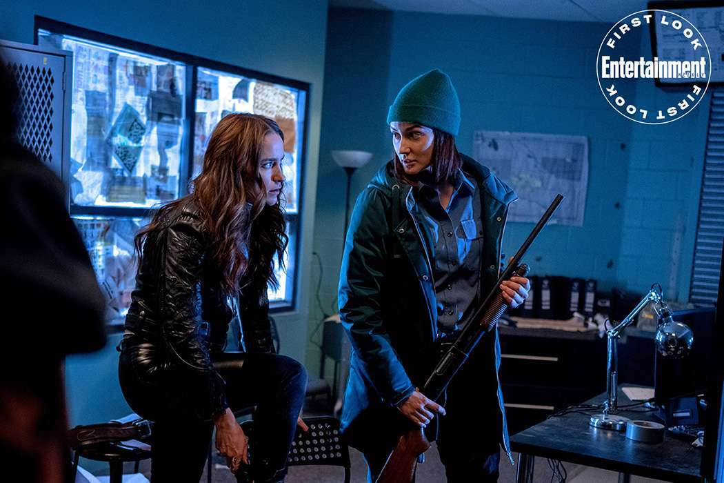 wynonna earp season 4 first look wynonna nicole
