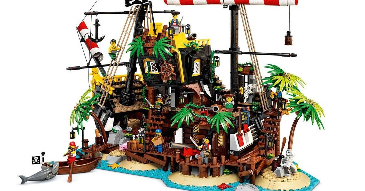 lego-barracuda-bay-top
