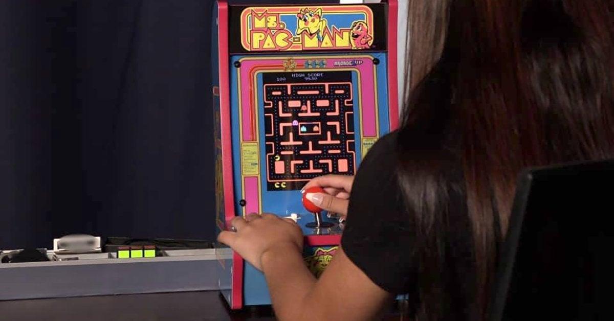 ms-pac-man-arcade1up