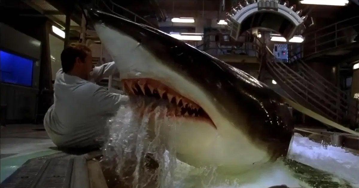 deep blue sea movie shark attack