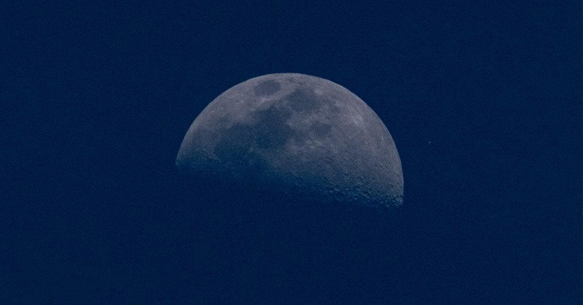 half moon photo blue halloween 2020