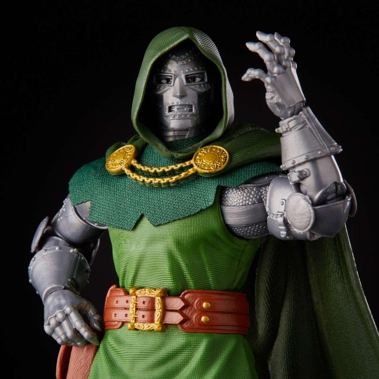 hasbro-marvel-legends-doctor-doom-HSE9627_6