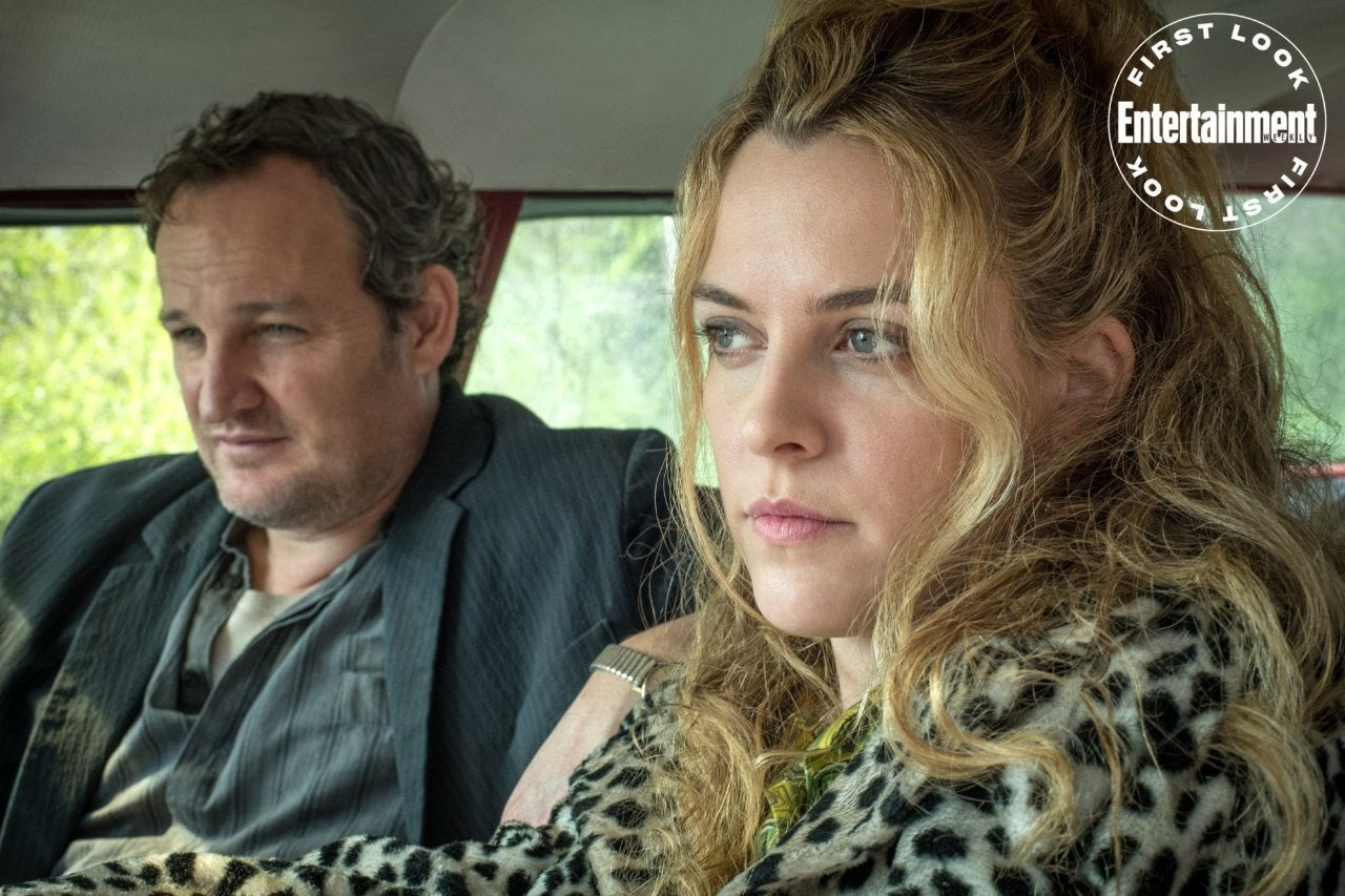 Riley Keough and Jason Clarke In The Devil ALl The Time Movie
