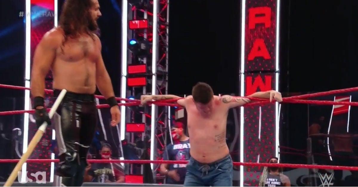 WWE-Seth-Rollins-Dominik-Mysterio-kendo-stick-welts