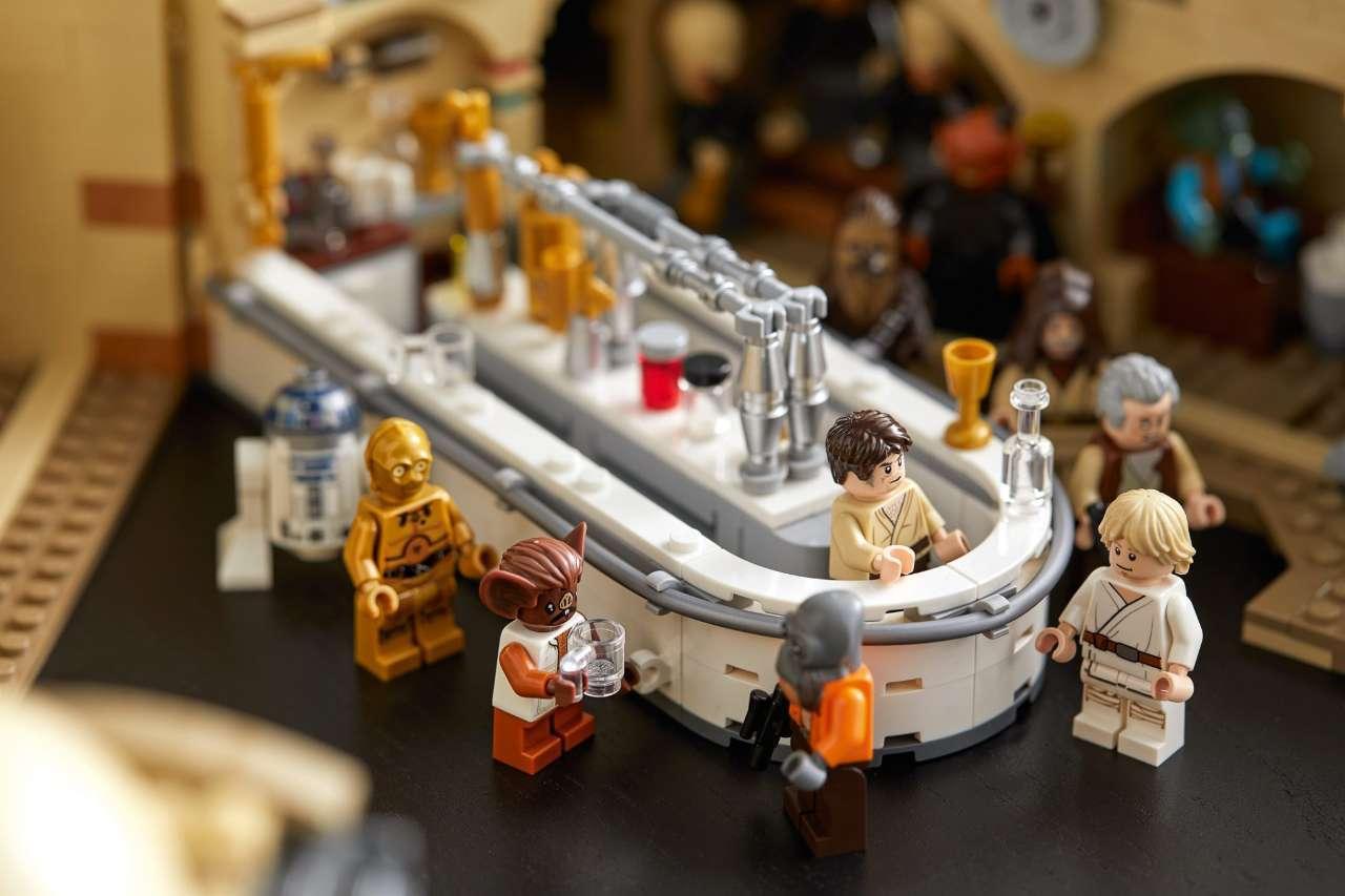 LEGO-Cantina-5