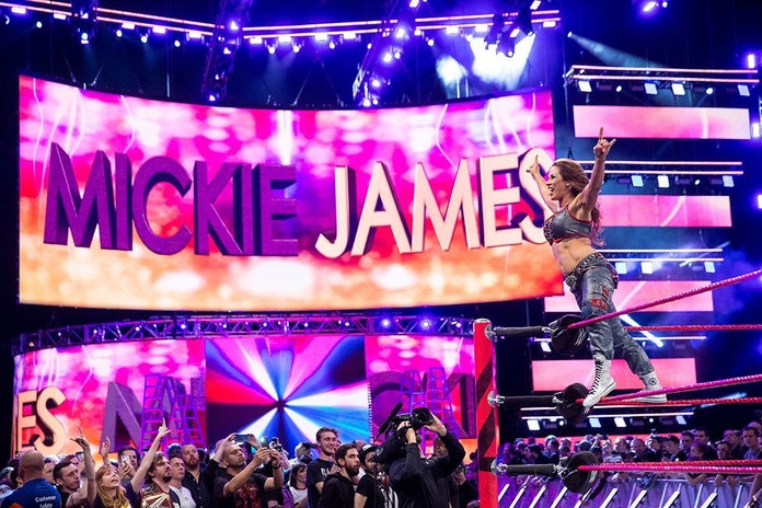 WWE-MIckie-James-Asuka-Monday-Night-Raw-3