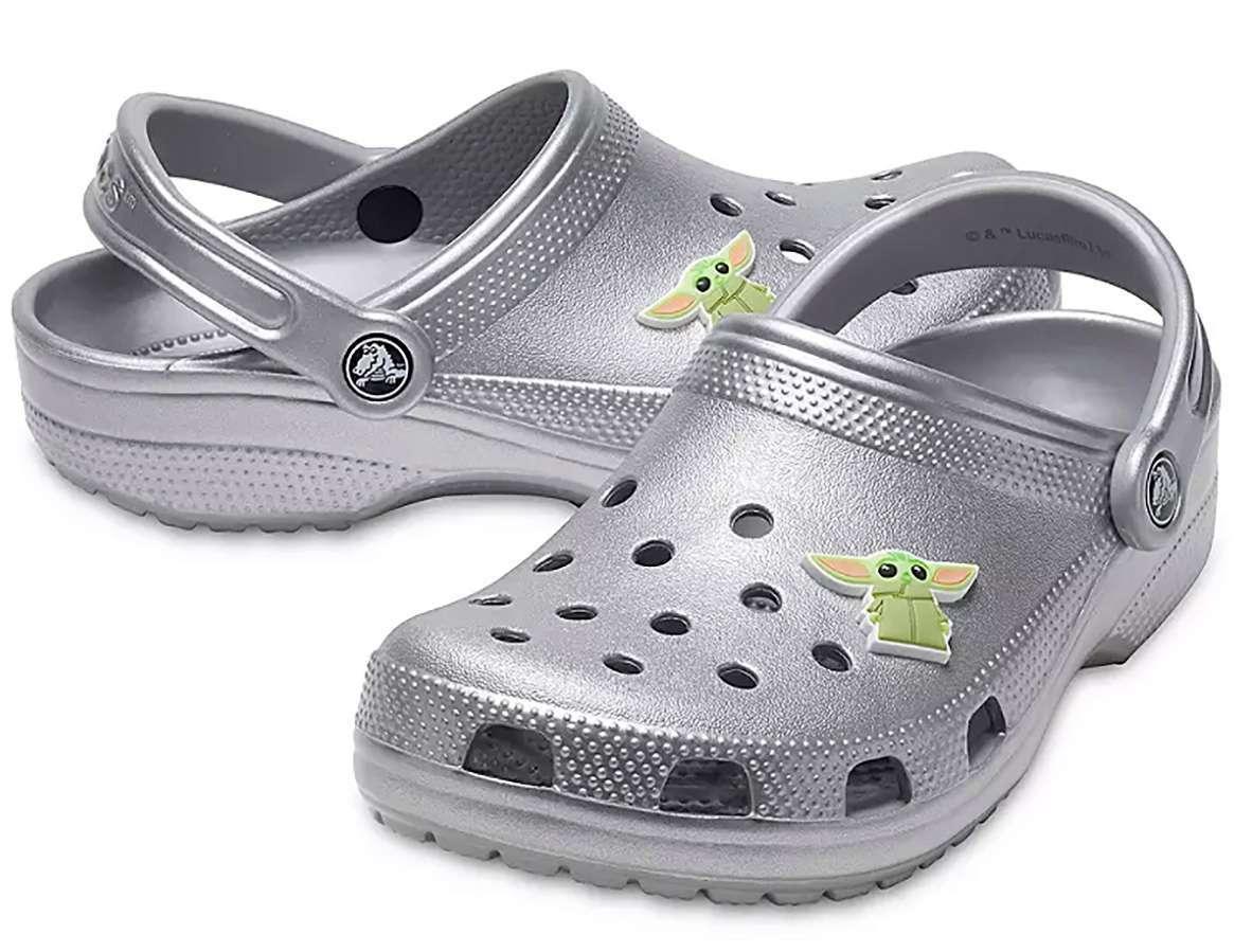 baby-yoda-crocs-2