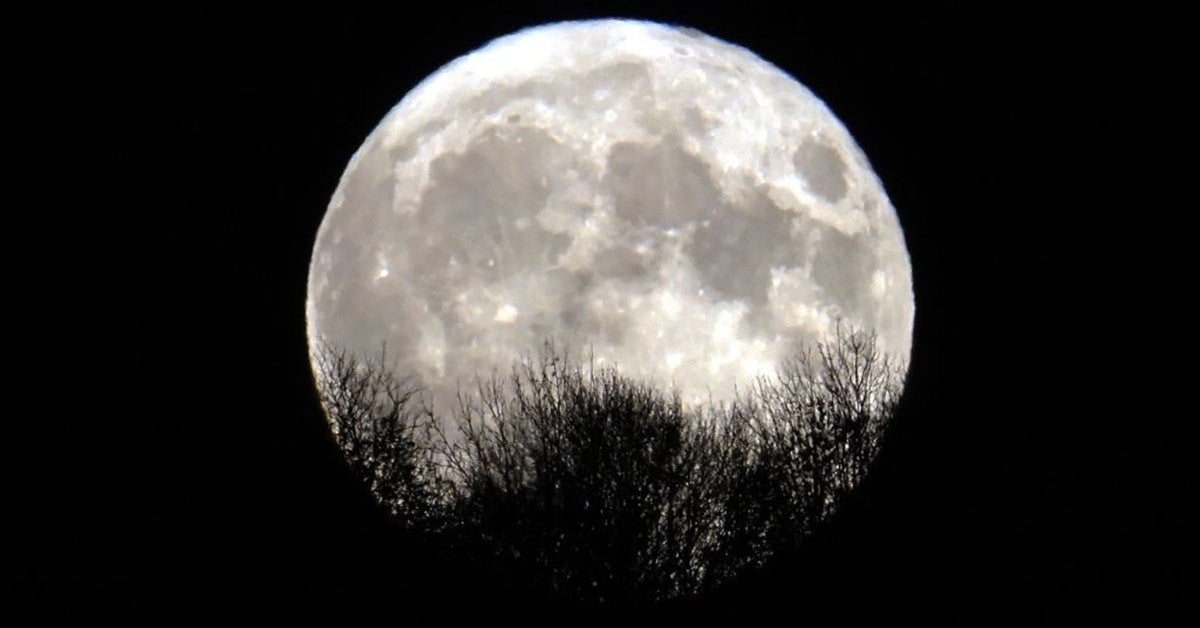 halloween 2020 full moon getty images