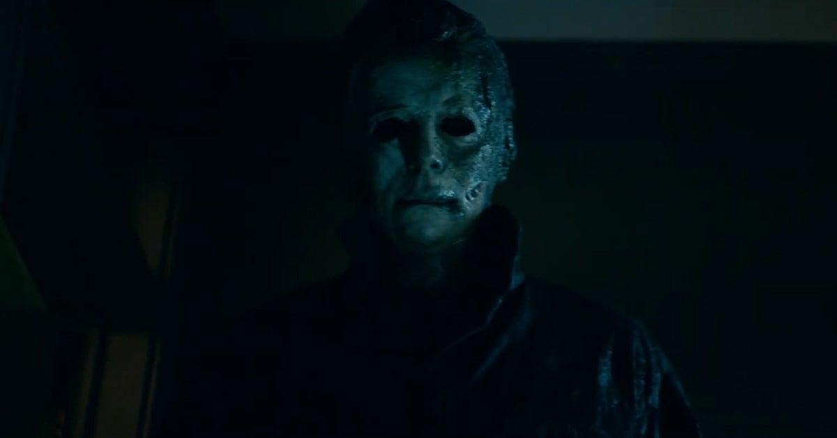 halloween kills 2021 michael myers mask burned