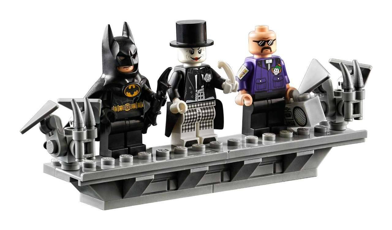 lego-batwing-minifigures
