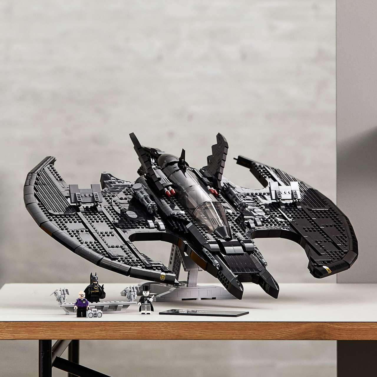 lego-batwing-stand