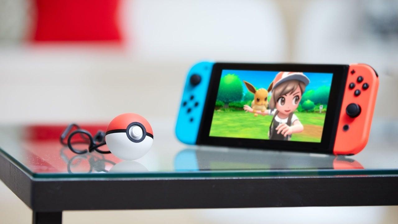 pokemon lets go pikachu pokeball plus