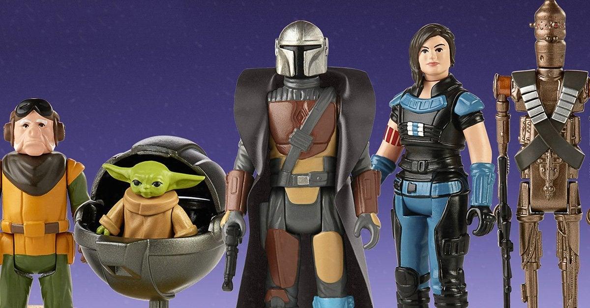 Star Wars The Mandalorian Mando And The Child Walking