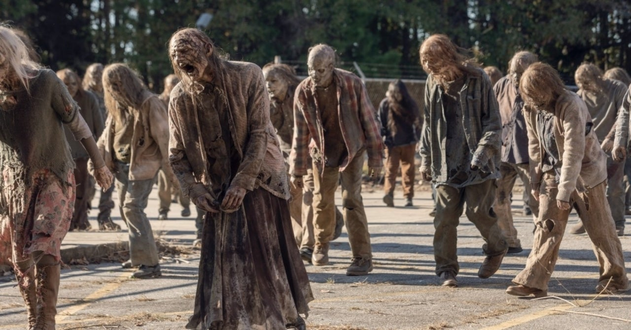 """The Walking Dead Ending: Creator Teases Unannounced Projects and Says Franchise """"Not Going Anywhere Anytime Soon"""""""