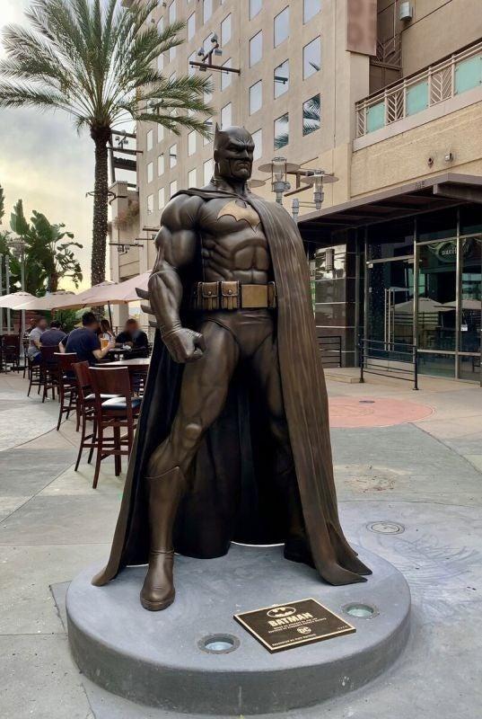 Batman Statue Standing 7-Feet-Tall Installed In Burbank, California
