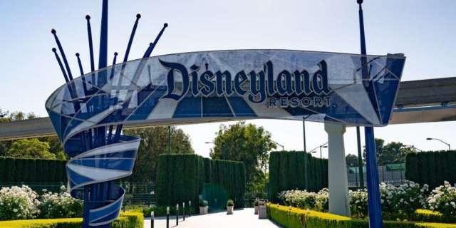 disneyland-resort-gate-california