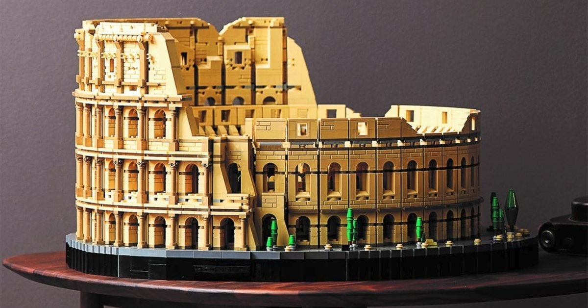 lego-rome-colosseum-top