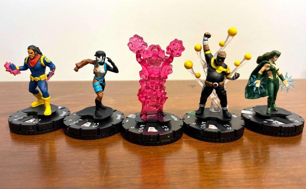Marvel HeroClix X-Men House of X Unboxing 002