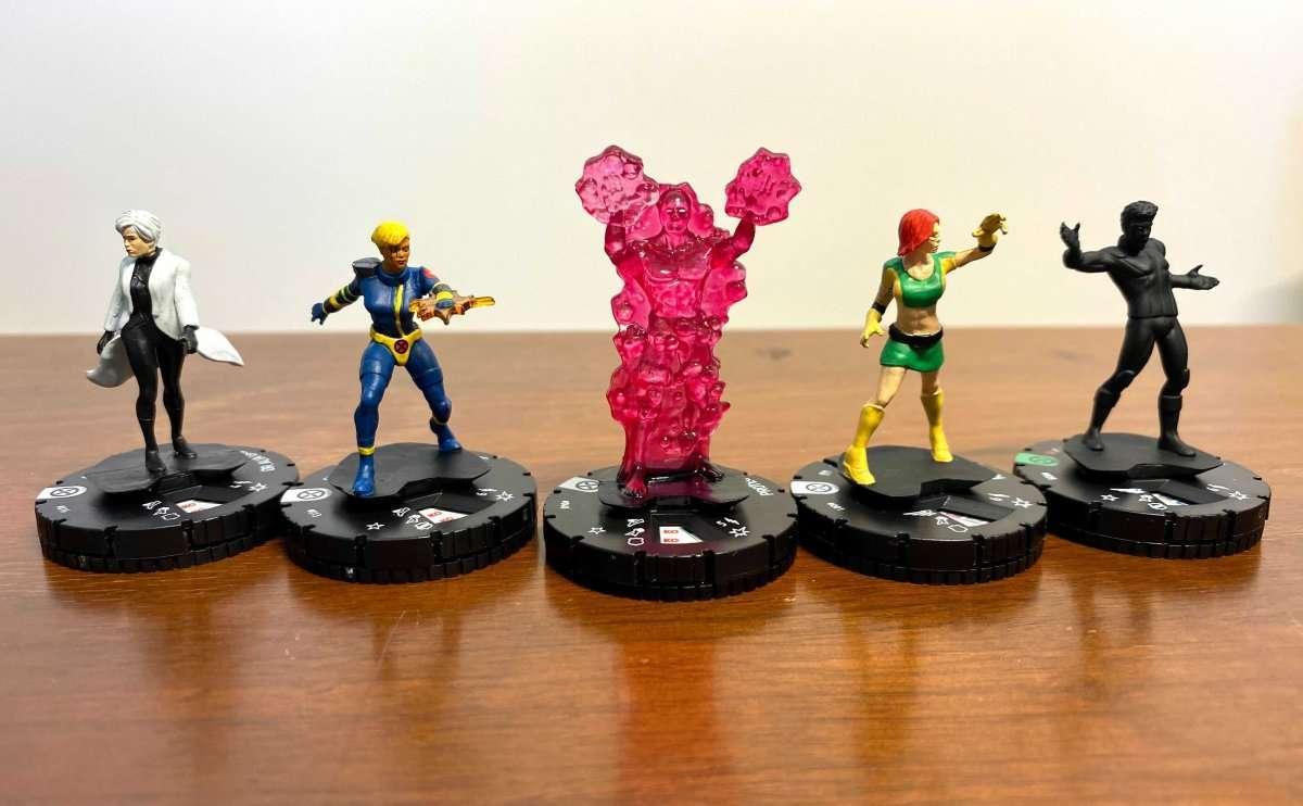 Marvel HeroClix X-Men House of X Unboxing 004