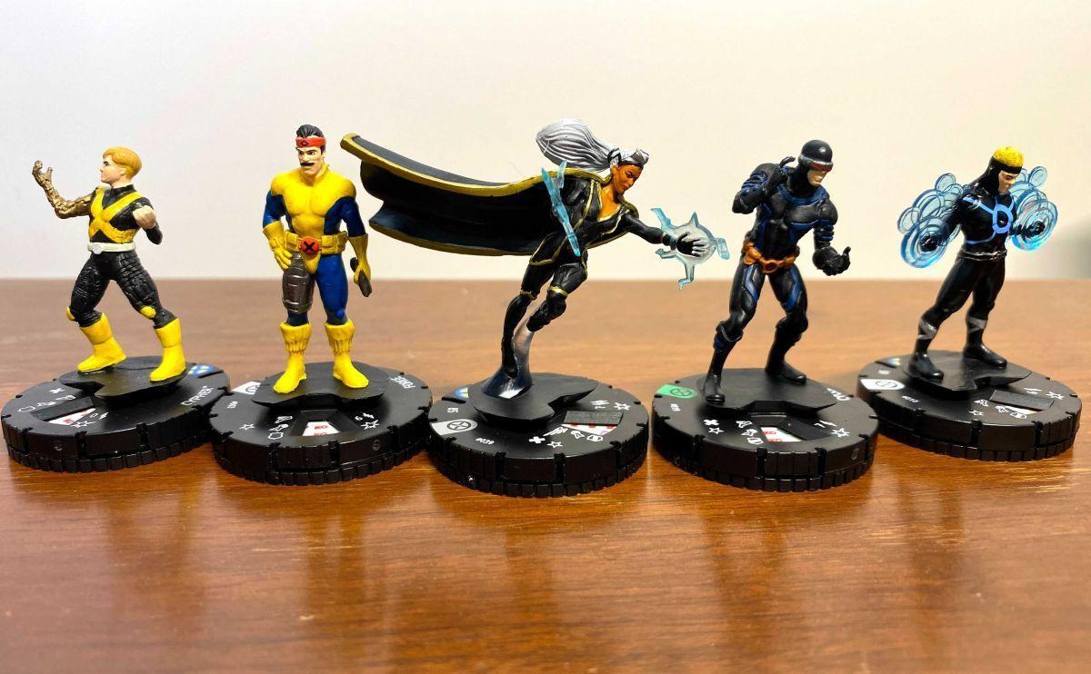 Marvel HeroClix X-Men House of X Unboxing 008