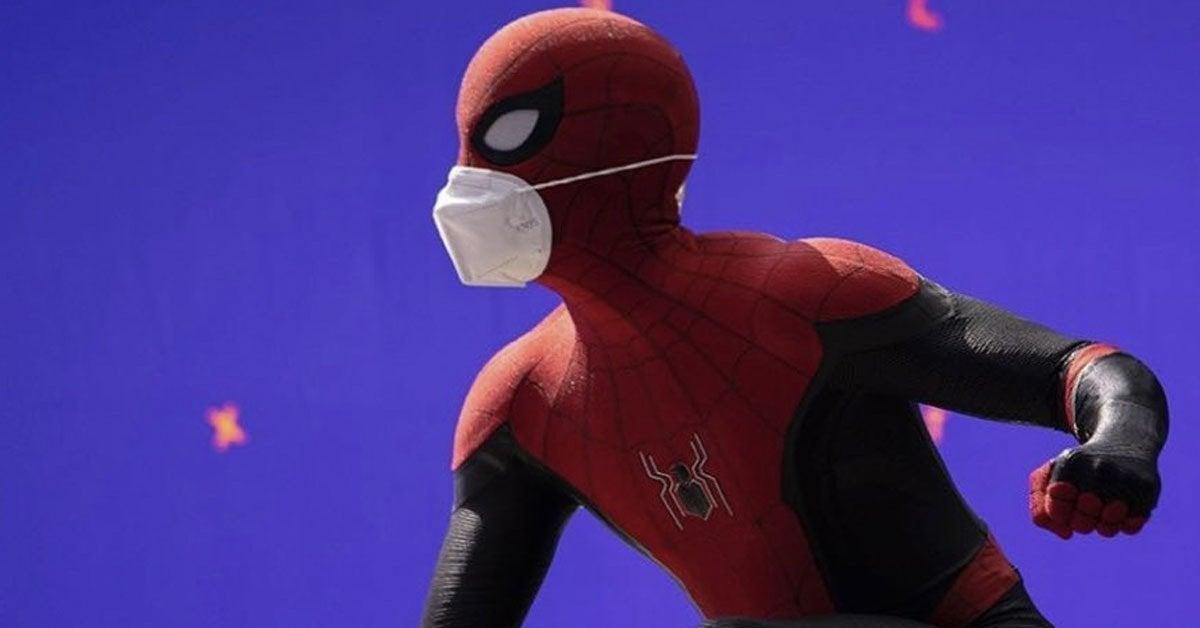 Marvel Spider Man 3 Tom Holland New Costume Mask Set Photo