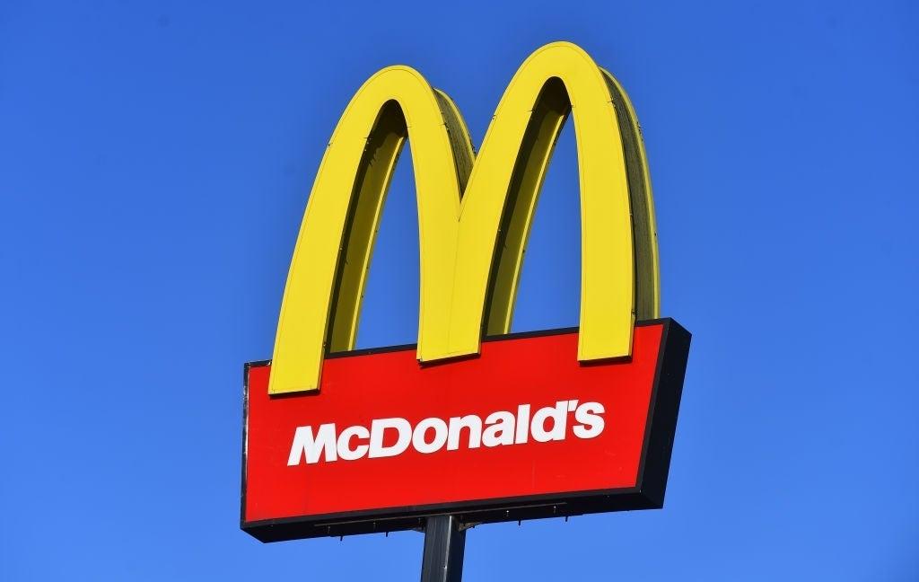 mcdonalds sign arches