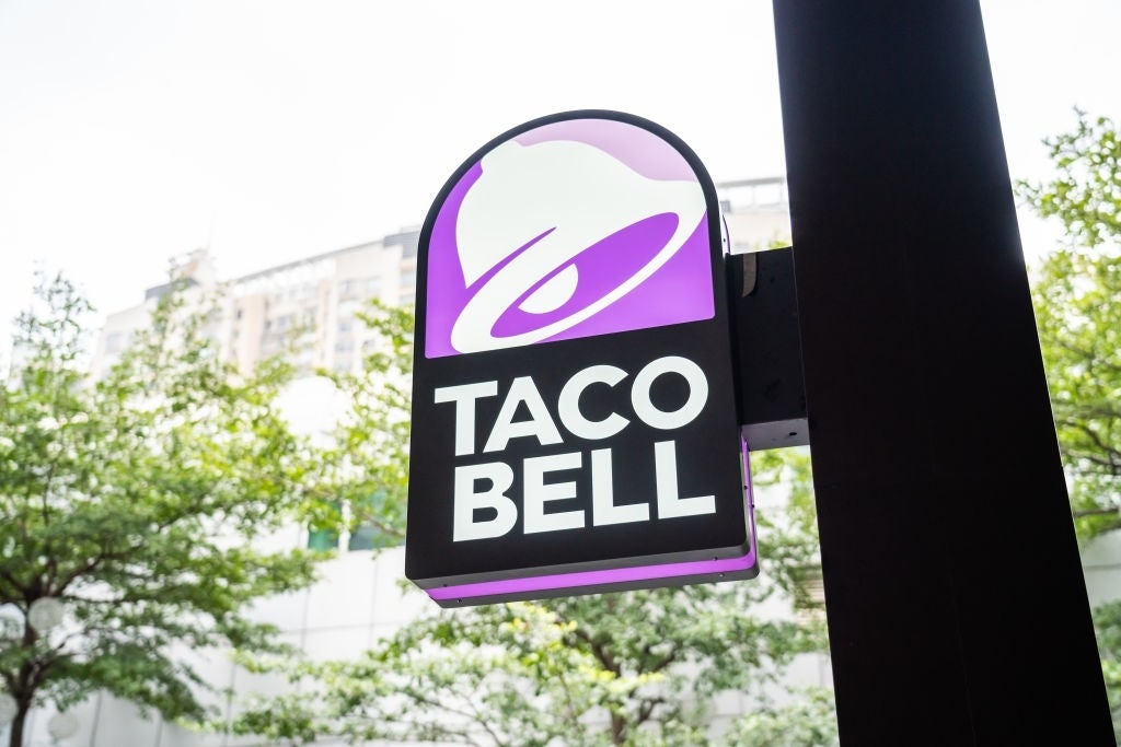 new taco bell logo sign