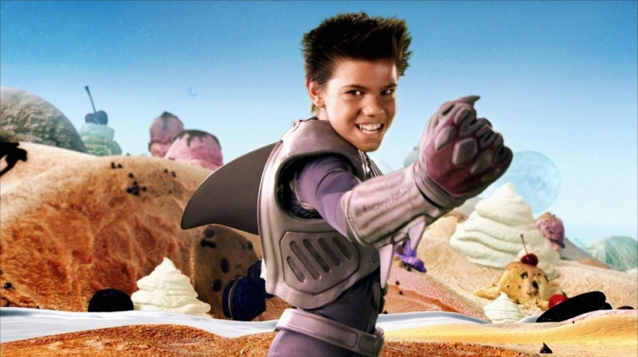 Taylor Lautner Fans Are Upset He Didn't Return as Sharkboy in We Can Be  Heroes Spinoff