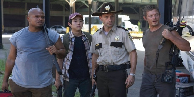 The Walking Dead Season 1 Episode 4 Vatos