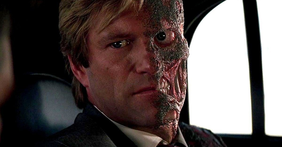 aaron eckhart harvey dent two face dark knight