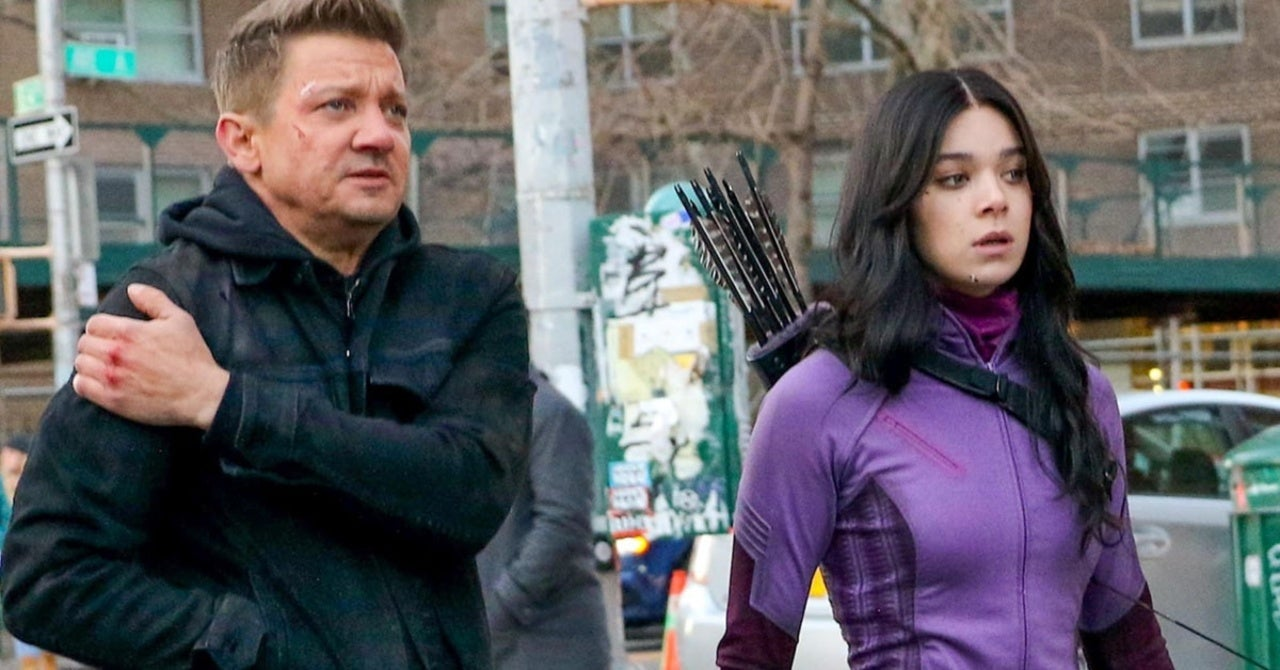 Hawkeye Set Photos Show Hailee Steinfeld and Jeremy Renner in Action