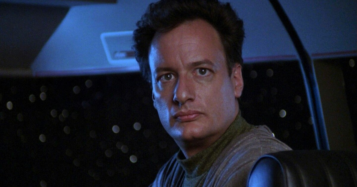 Star Trek John de Lancie Teases Next Q Appearance Picard Season 2